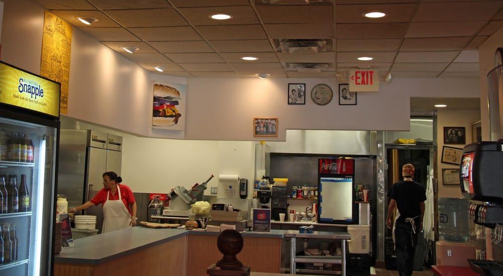 Krazy jim s blimpy burger 96 foto e 127 recensioni for Affitti della cabina di ann arbor michigan