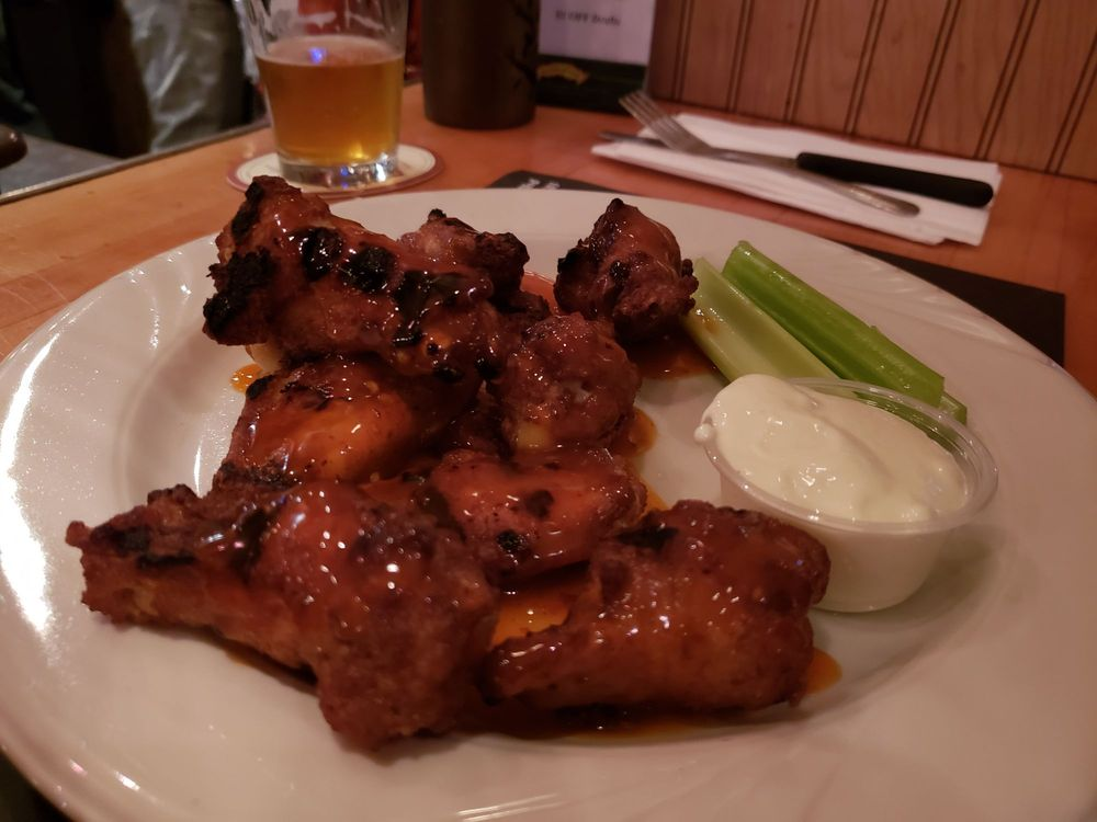 Chicken Lounge: 3247 Hamilton Blvd, Allentown, PA