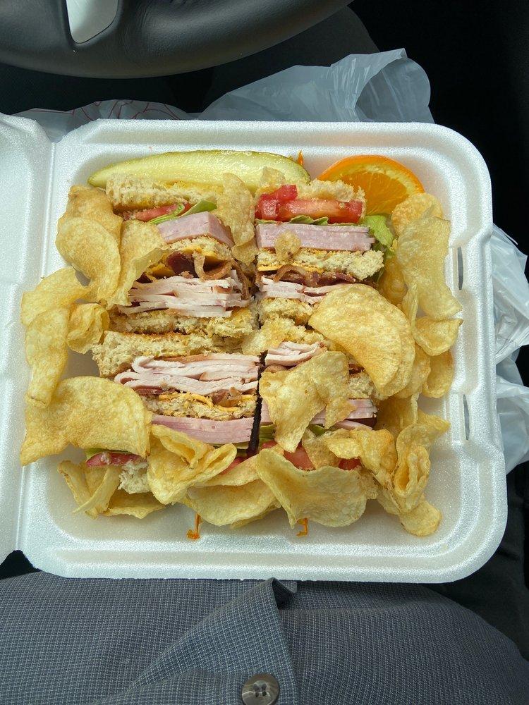 211 Main Street Restaurant & Bakery: 211 W Main St, Lavonia, GA