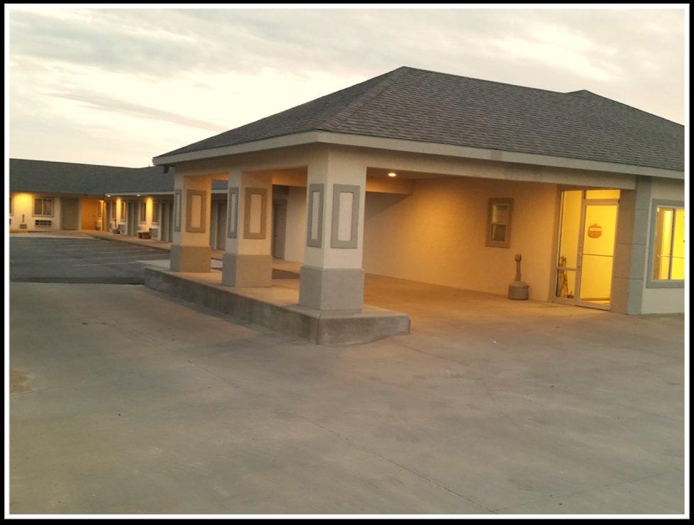 Cimarron Crossing Motel: 410 W Ave A, Cimarron, KS