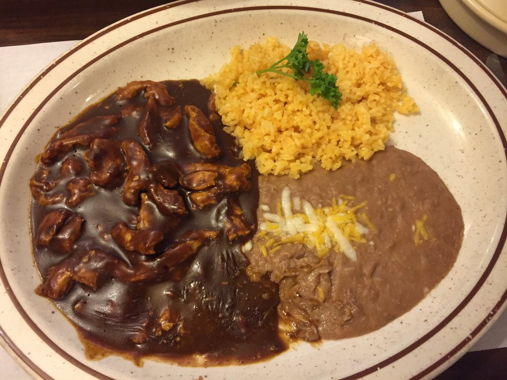 El Toreo Mexican Restaurant: 239 N Broadway Ave, Burns, OR