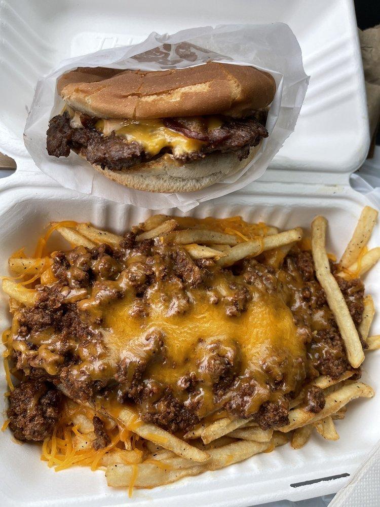 Sespe Burger: 8252 Market St, Boardman, OH