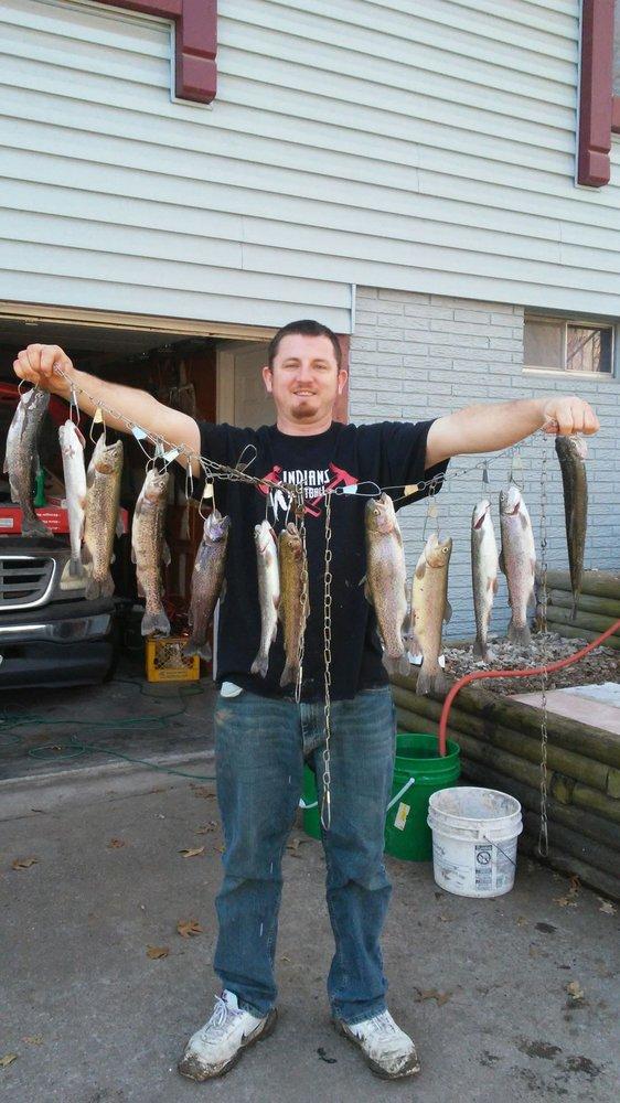 40 Woods Bait & Tackle: 3995 SW East US Hwy 40, Blue Springs, MO