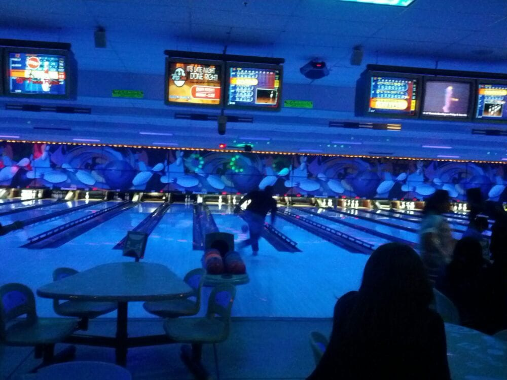 Brunswick Zone Bramalea Lanes 10 Photos 12 Reviews Bowling