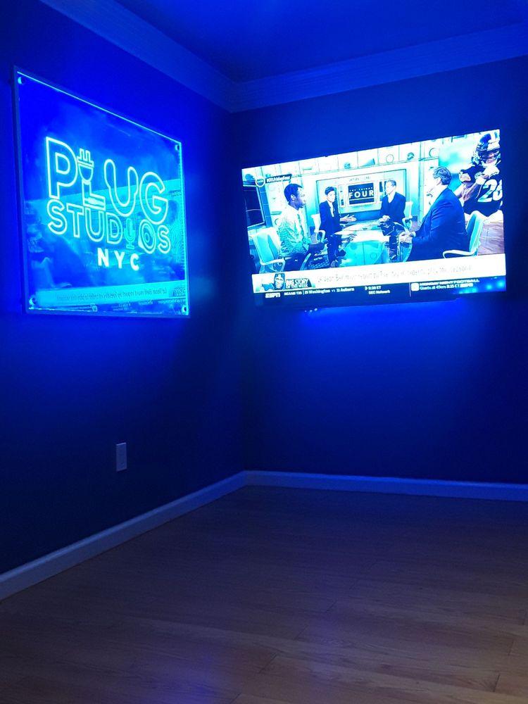 Plug Studios NYC: 757 E Tremont Ave, Bronx, NY