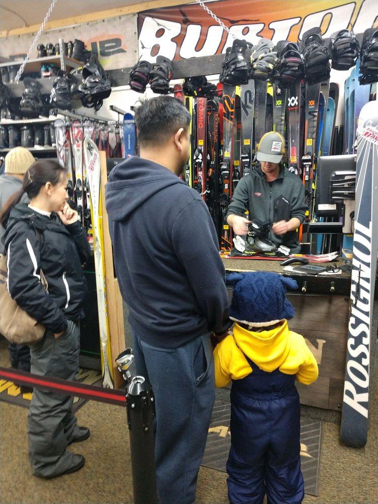 Tahoe Dave's Skis & Boards: 8299 N Lake Blvd, Kings Beach, CA