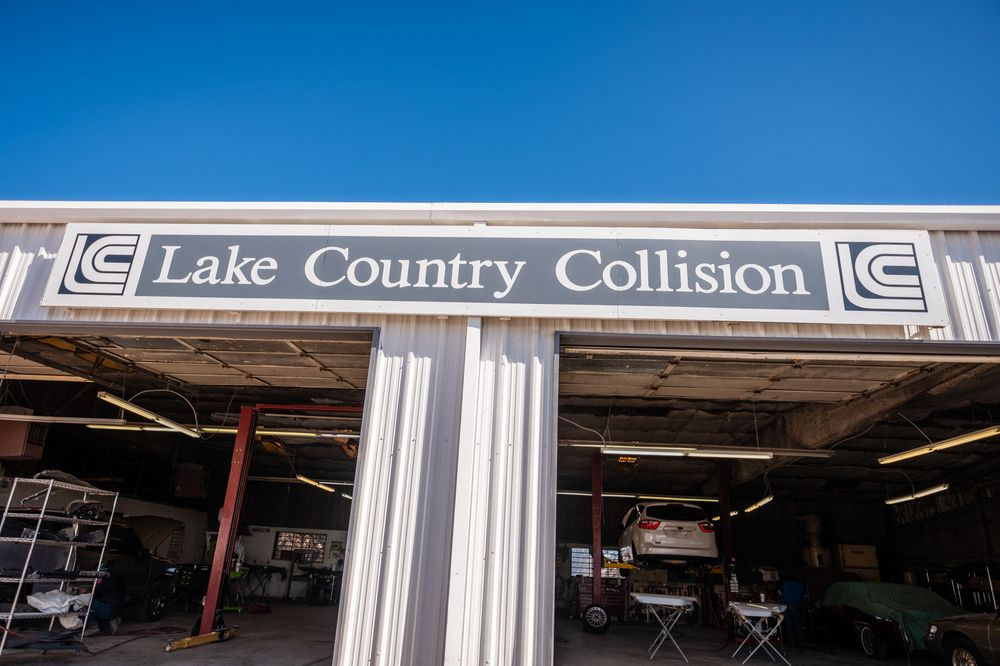 Lake Country Collision: 1901 S Water St, Burnet, TX