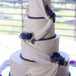 Delish bakery st joseph mo wedding cakes