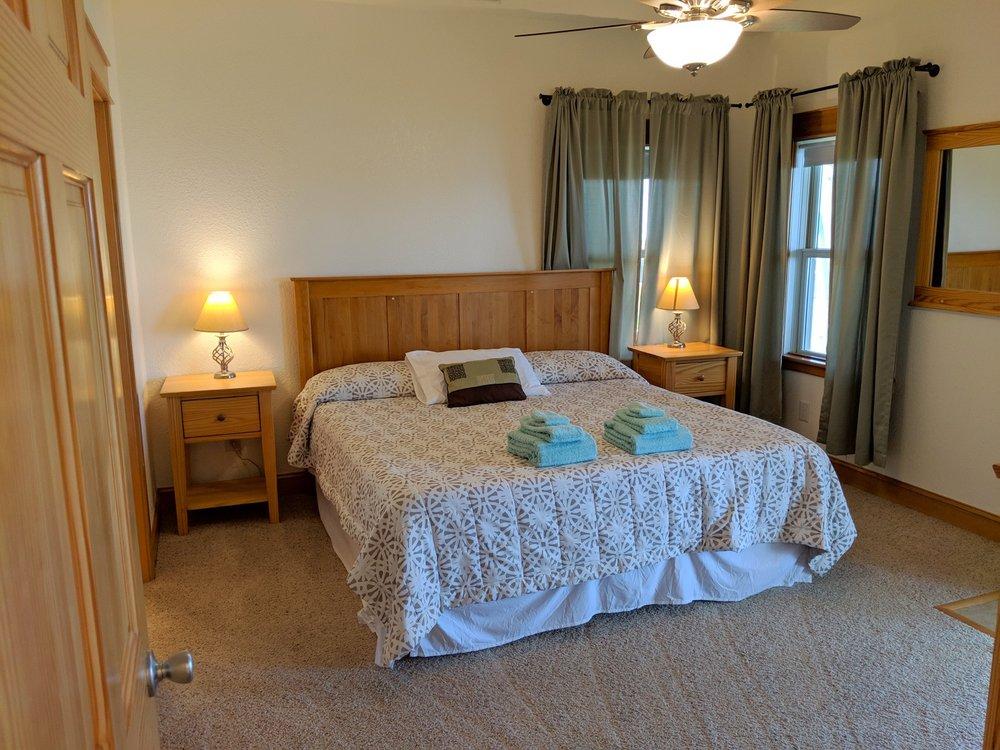 MaMaHooHoo Beach House Rental: 54187 Osprey Way, Frisco, NC