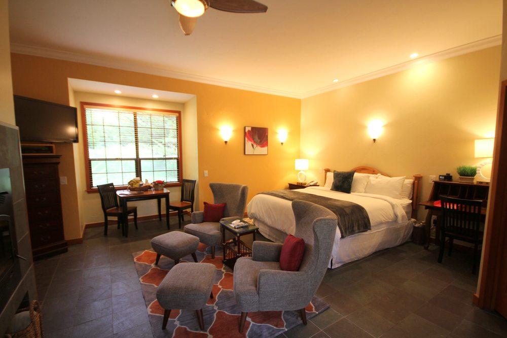 Sonoma Coast Villa: 16702 Shoreline Hwy, Bodega, CA