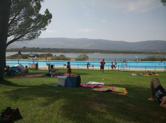 Piscinas naturales de riosequillo piscine carretera de for Piscinas naturales buitrago