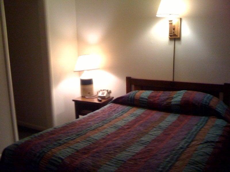 Cody Motel: 75 Center St, Rock Springs, WY
