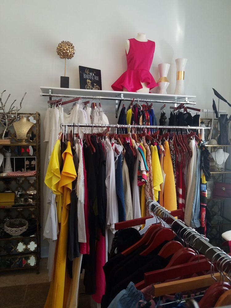 Ora's Closet Boutique: 3332 N Liberty St, Canton, MS