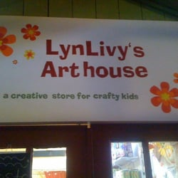 LynLivy's Arthouse logo