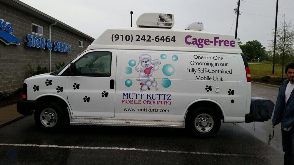 Mutt Kuttz Doggie Spa: 1026 South Main St, Lillington, NC