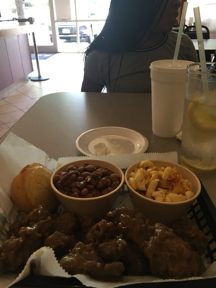 Chicken Gizzards & Gravy, beans & rice with Mac & Cheese - Yelp