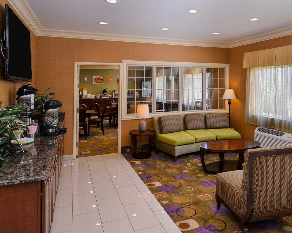 Quality Inn & Suites South: 135 S Larkin Ave, Joliet, IL