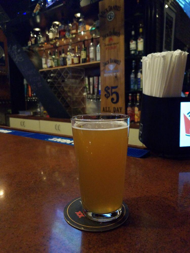 Luna Bar & Grill: 3821 Avalon Park E Blvd, Orlando, FL