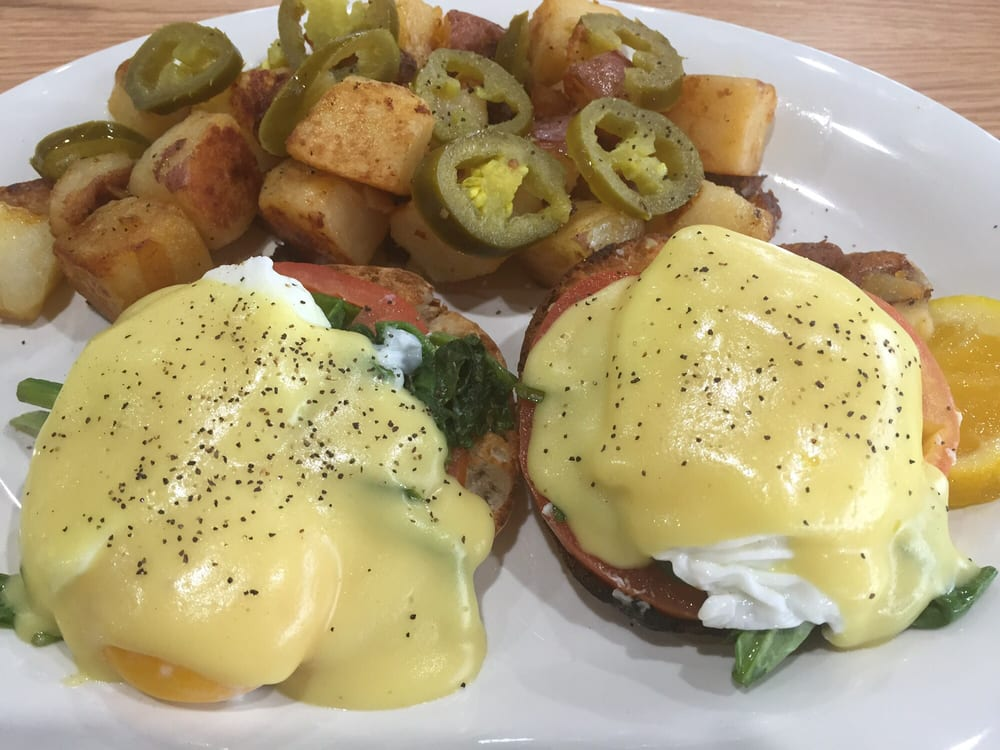 Food from Eggs Up Grill