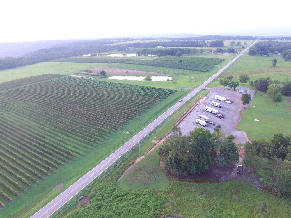 Grape Country RV Park: 7806 Hwy 186, Altus, AR