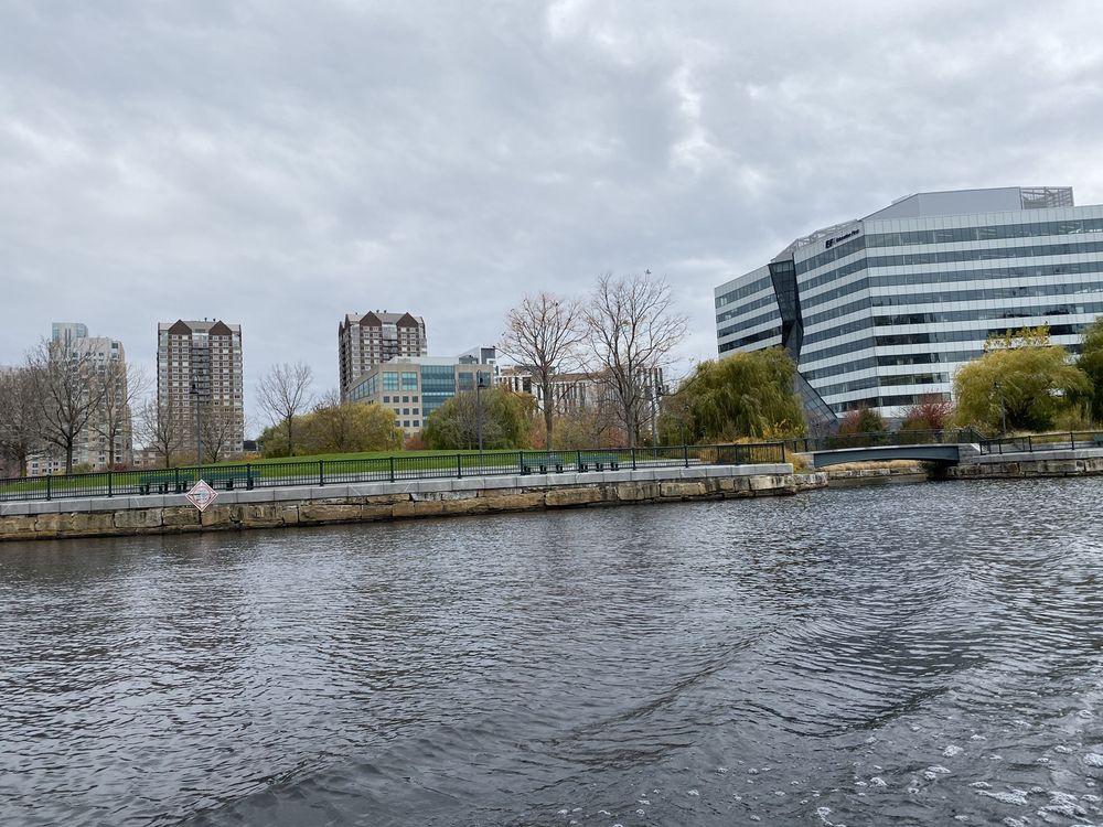 Boston Duck Tours: 1 Science Park, Boston, MA