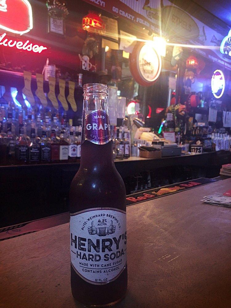Ethel's Tavern: 620 Broadway, Highland, IL