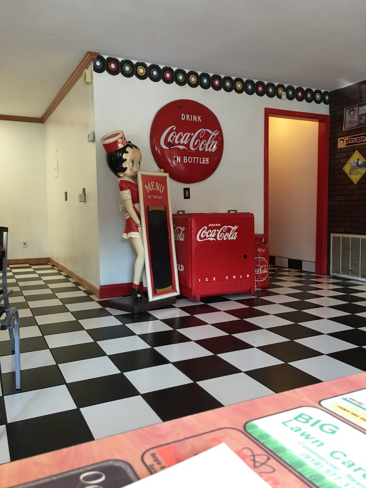 Back In Time Diner: 1703 E Okmulgee Ave, Muskogee, OK