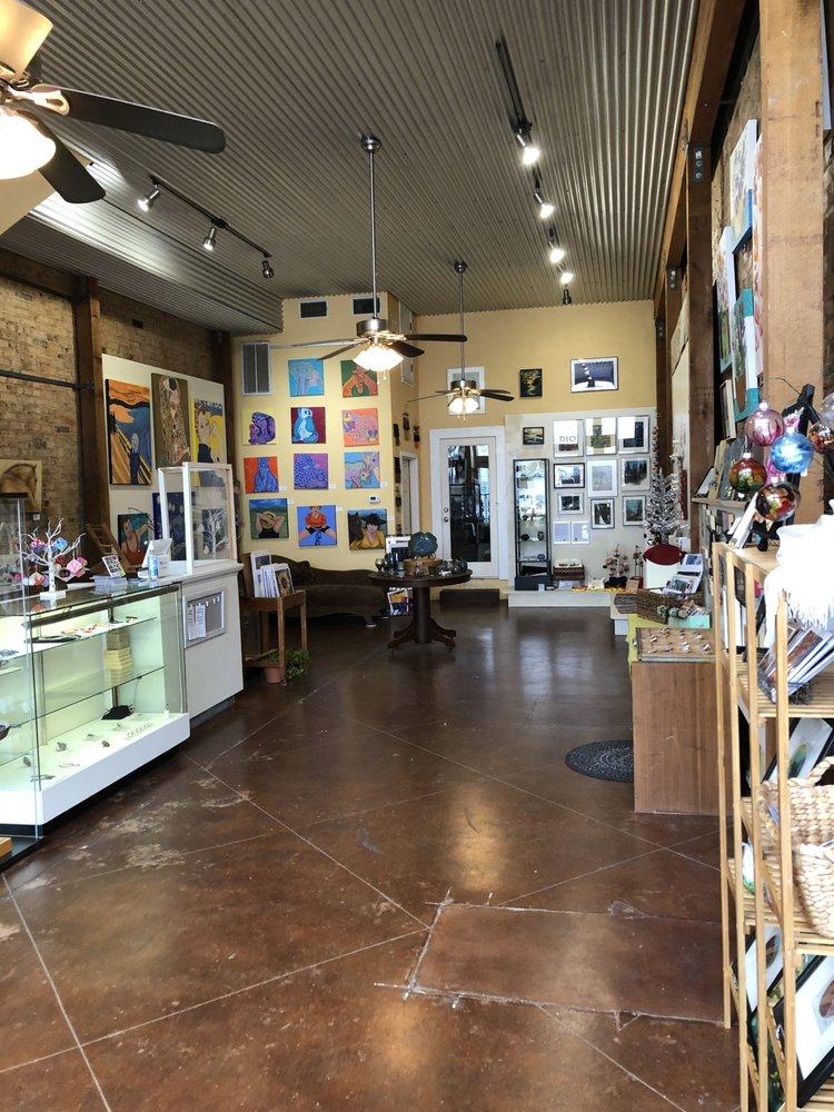 A Creative Art Studio: 227 W Oak St, Denton, TX