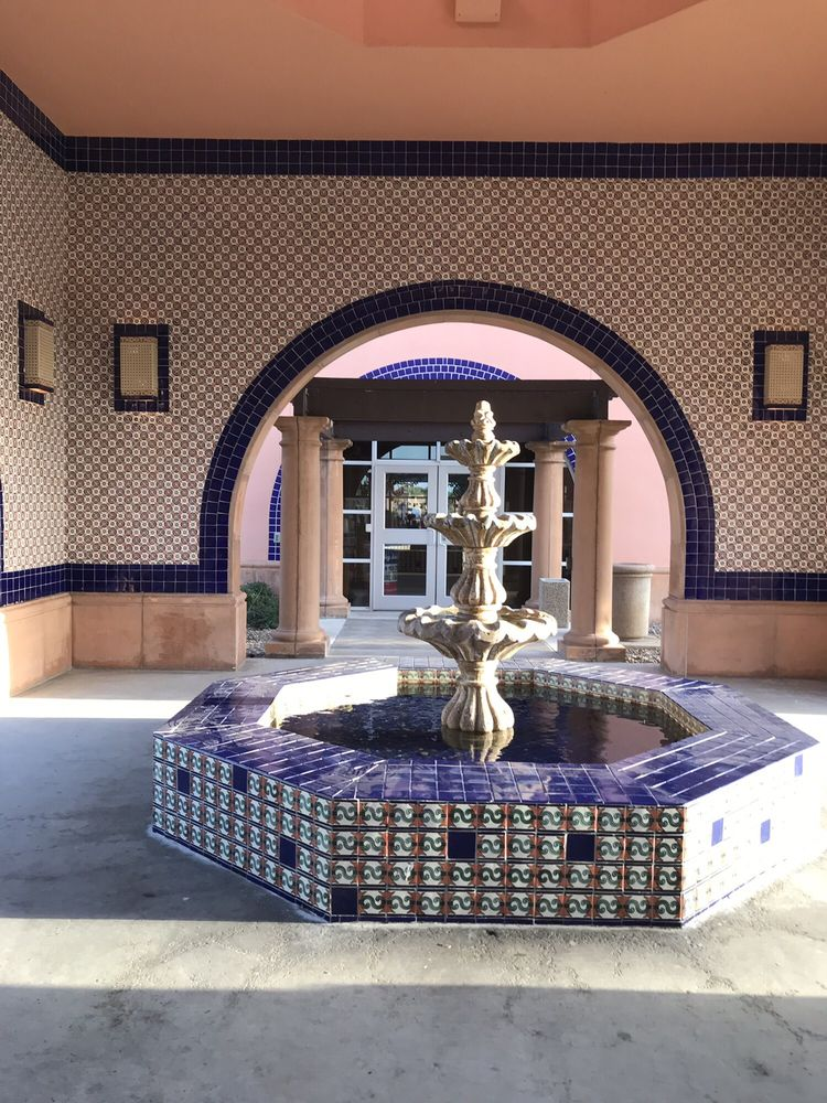 Texas Travel Information Center: 15551 Interstate 35 N US 83, Laredo, TX
