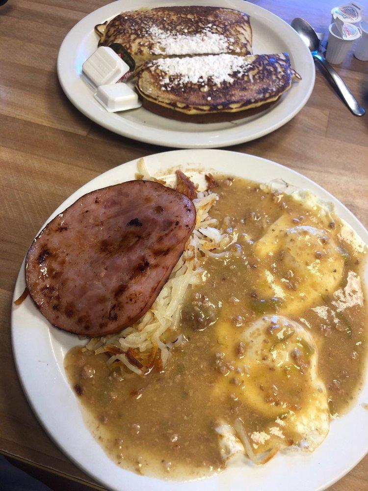 Campus Cafe: 435 Poncha Ave, Alamosa, CO
