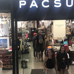 bef5a2b35293e PacSun - CLOSED - 28 Reviews - Sports Wear - 865 Market St, Union Square,  San Francisco, CA - Phone Number - Yelp