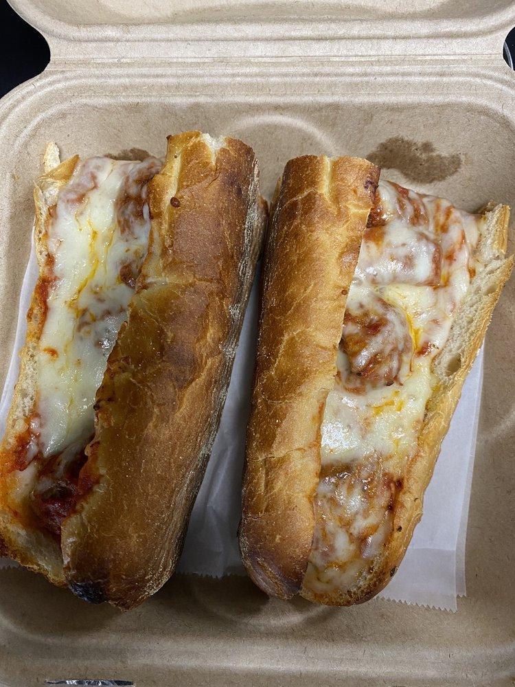 Little Alex's Pizzeria: 271 Eastern Blvd N, Hagerstown, MD
