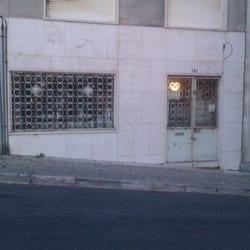 Photo Of As Velharias Do Senhor Armando   Lisbon, Portugal. Fachada Da Loja  Do