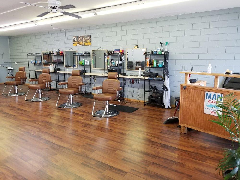 Speak EZ Barber Shop: 534 E International Speedway Blvd, DeLand, FL