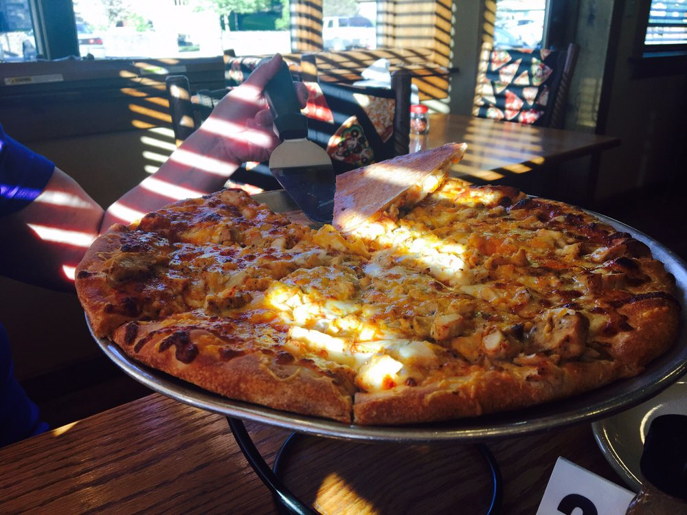 Foxburg Pizza: 12 Main St, Foxburg, PA