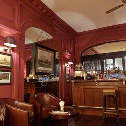 R Cafe Closed 32 Photos 10 Reviews French 6 Rue Chauveau
