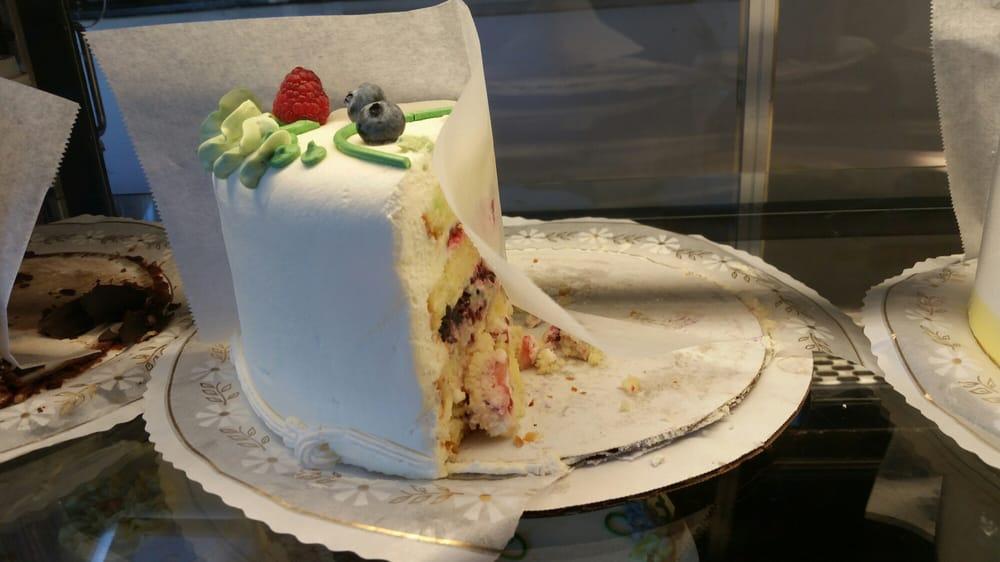 Manhattan Beach Bakery Cake