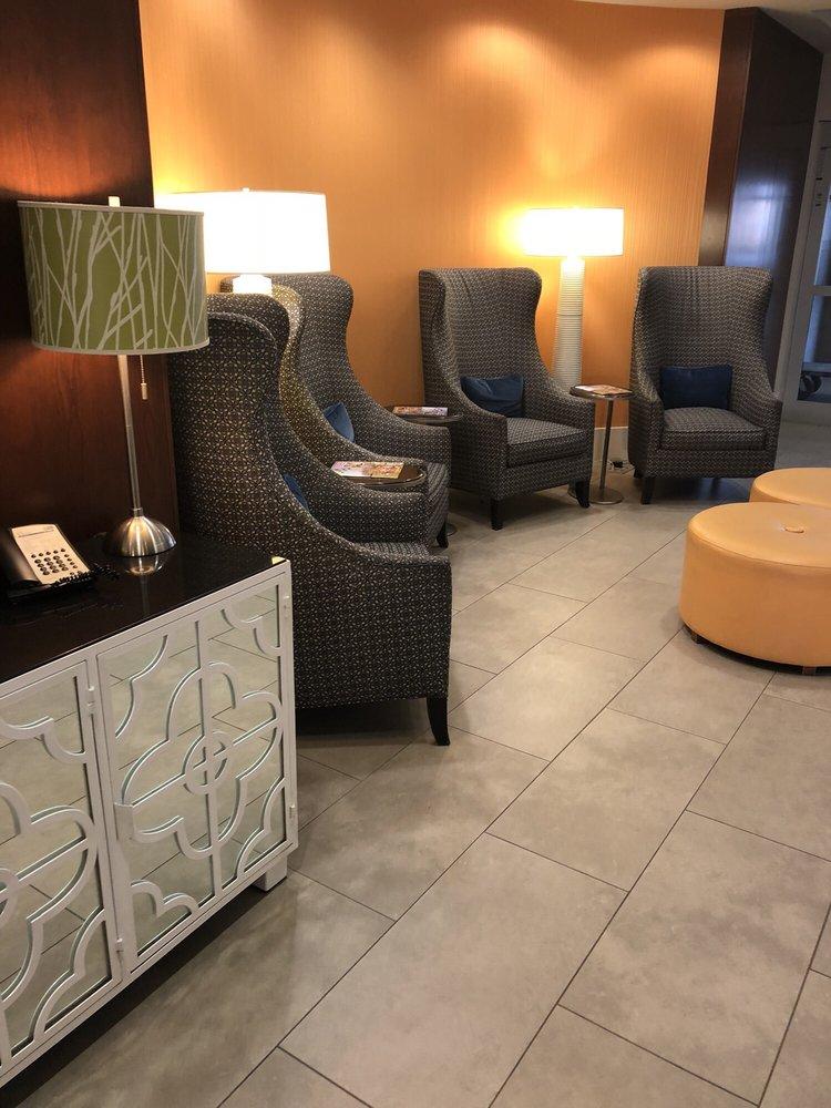 Holiday Inn Express & Suites Terre Haute: 2645 S Joe Fox St, Terre Haute, IN