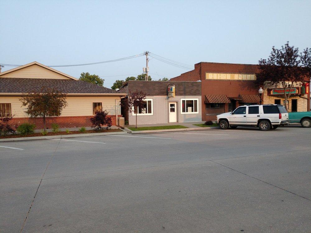 Verdas Cafe: 179 S 8th Ave, Burwell, NE