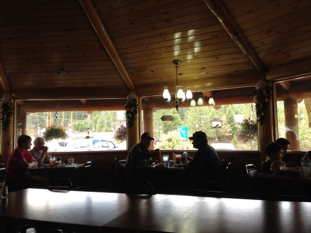 Pine Grove Junction Café: 16267 N Hwy 21, Republic, WA