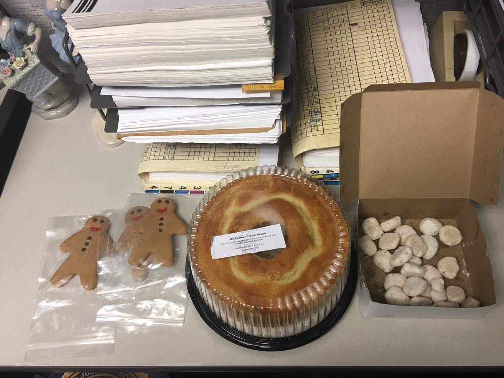 Holt's Bakery: 101 Sellers St, Douglas, GA