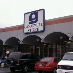 Goodwill  CLOSED  29 Reviews  Used Vintage  Consignment  342