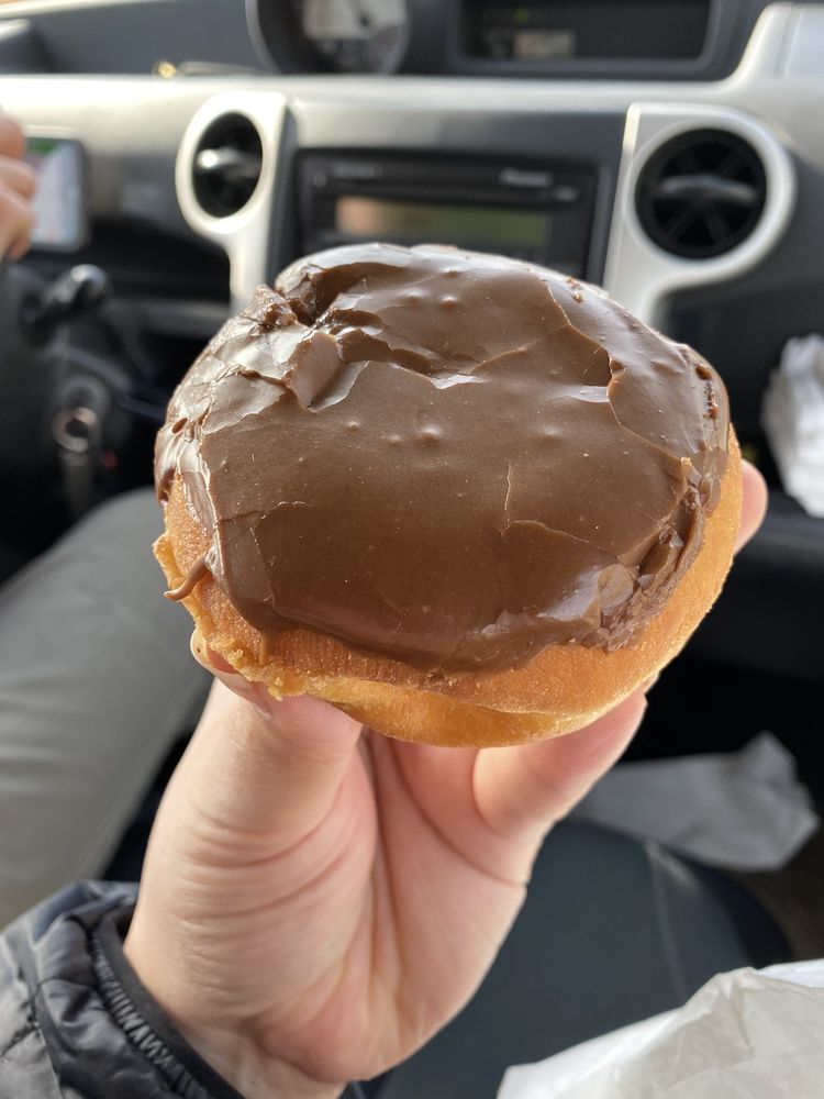 Cleveland Donuts: 304 S Main St, Cleveland, GA