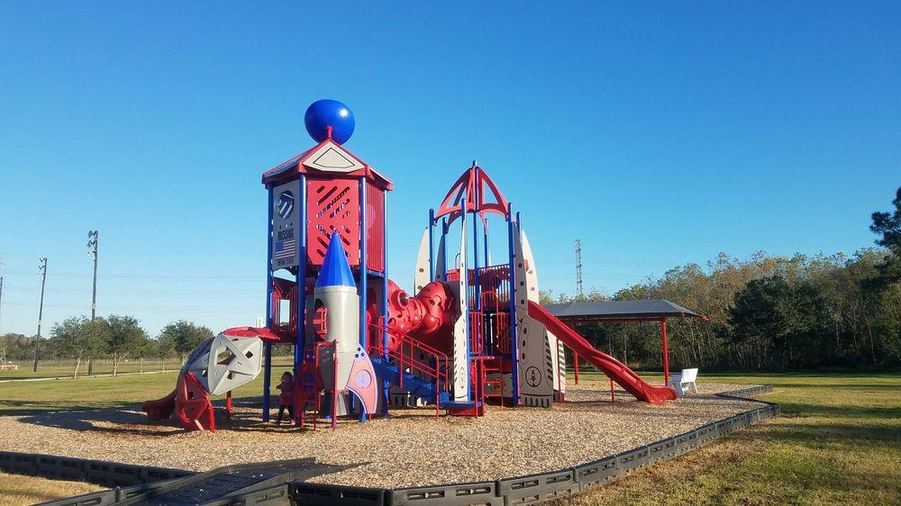 Starport Fitness - NASA-JSC Gilruth Center: 2101 Nasa Pkwy, Houston, TX