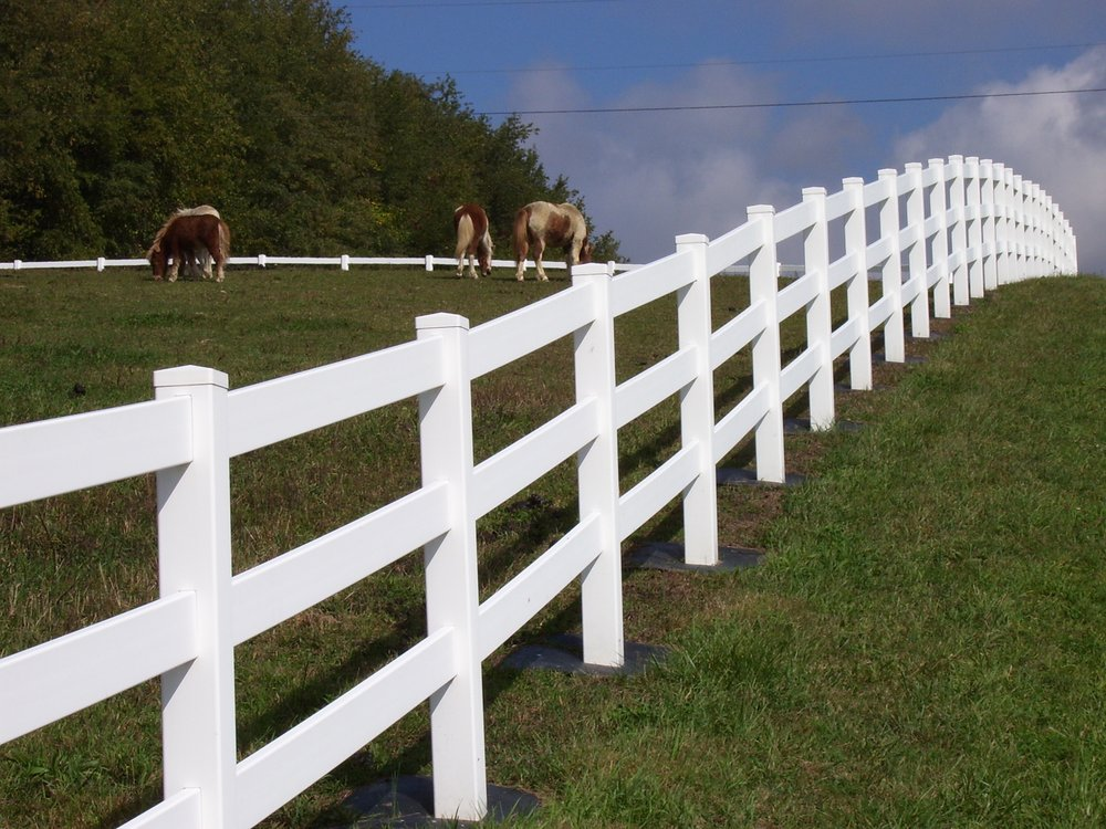 Laurel Highlands Fencing and Railing: 232 S 4th St, Youngwood, PA