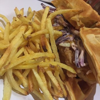 Restaurant Waffle Chicken Paris