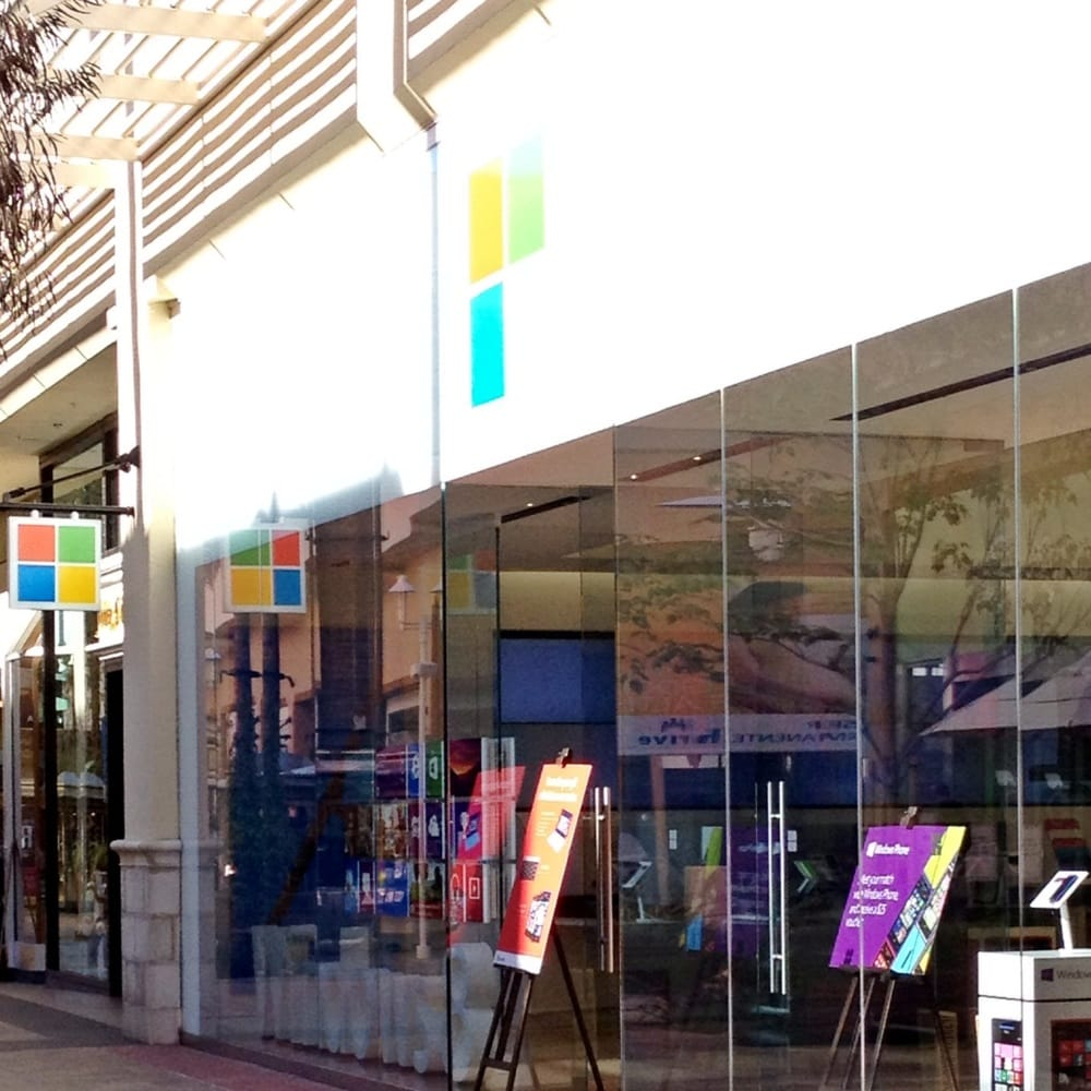 The Microsoft Store Fashion Valley