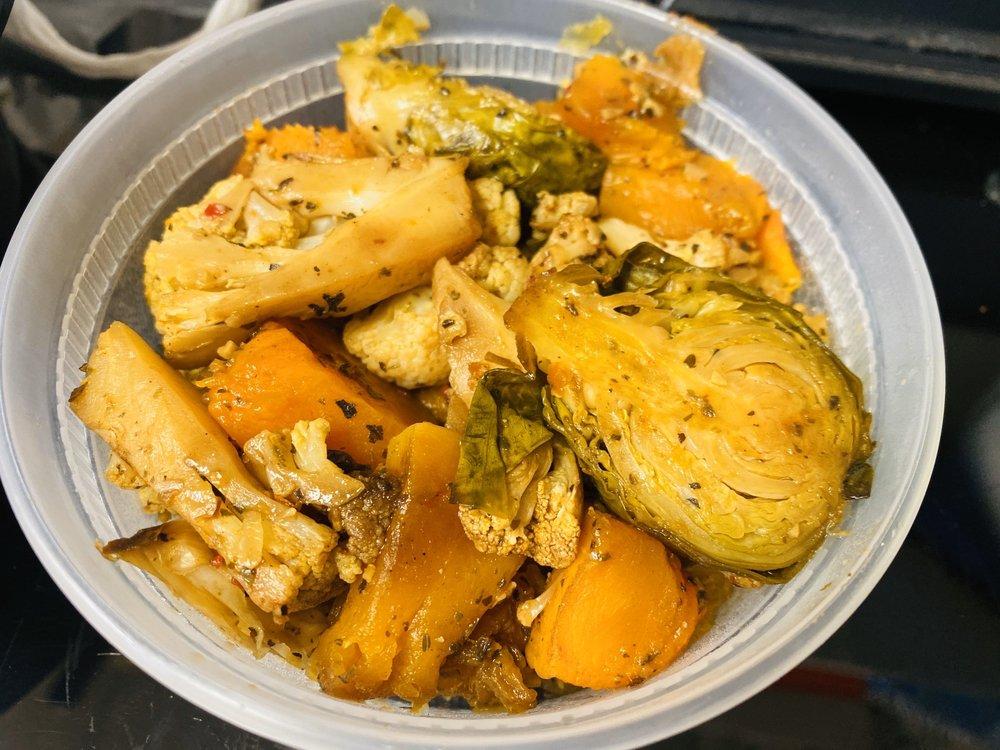 Koobala Borderless Chicken Bistro: 3987 Pickett Rd, Fairfax, VA