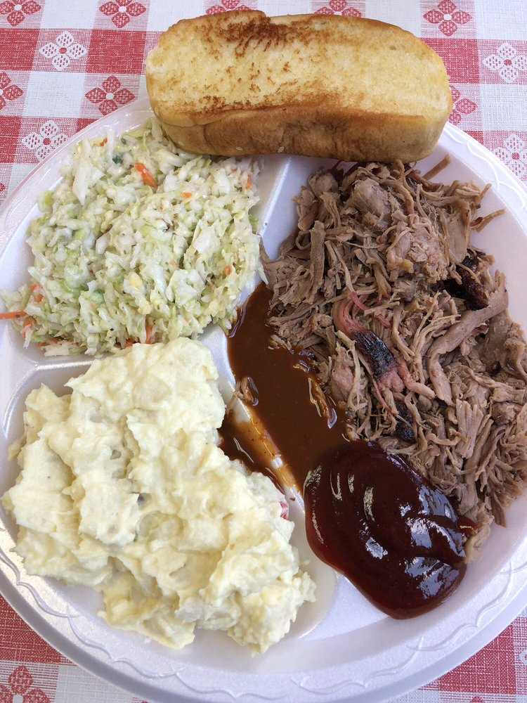 Piggy's Place Bar-B-Que: 112 N Anderson St, Tullahoma, TN
