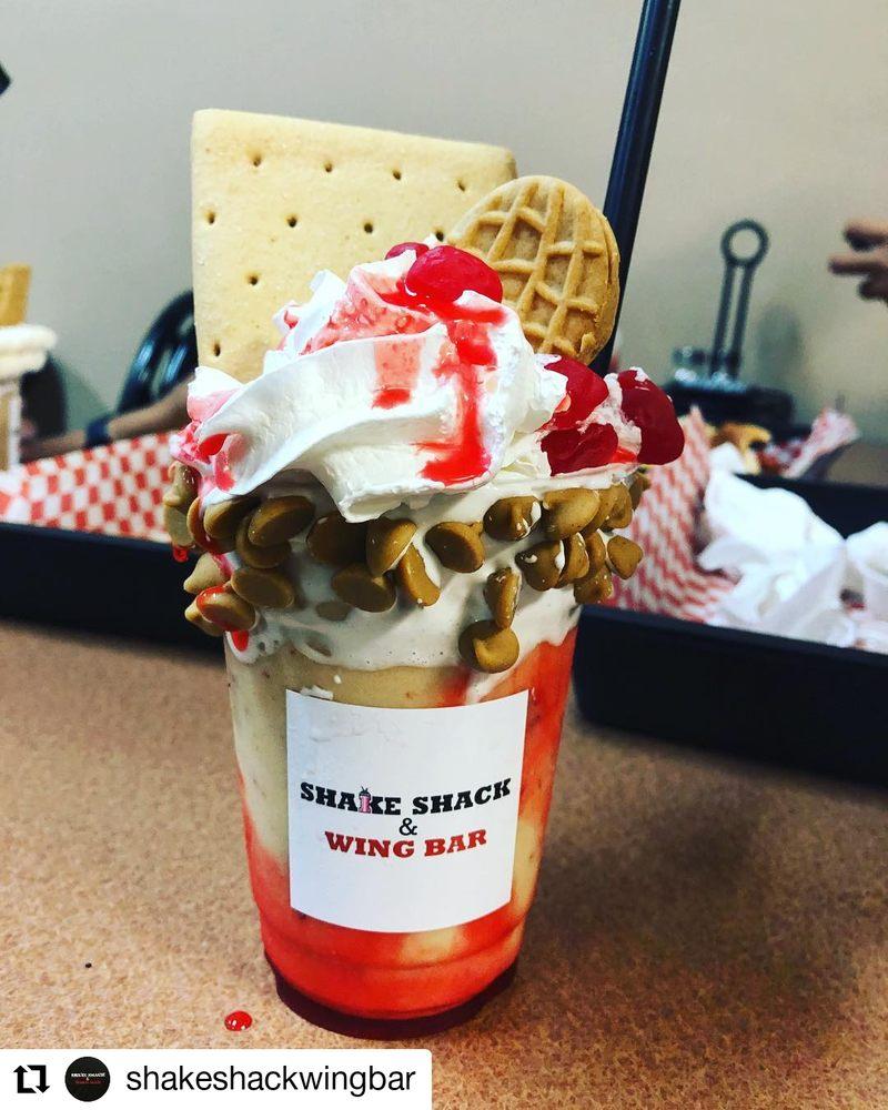 Food from Shake Shack & Wing Bar
